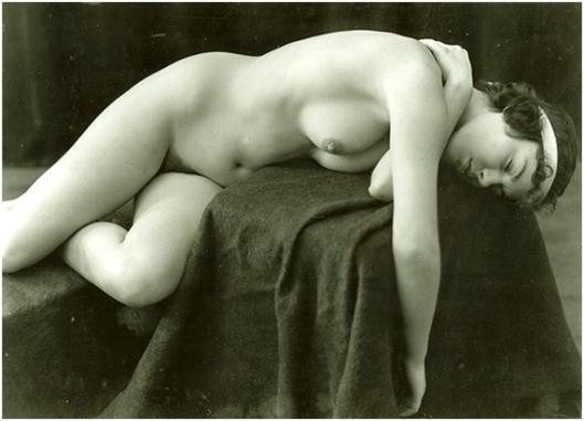 Jean-Marie Auradon - nu feminino